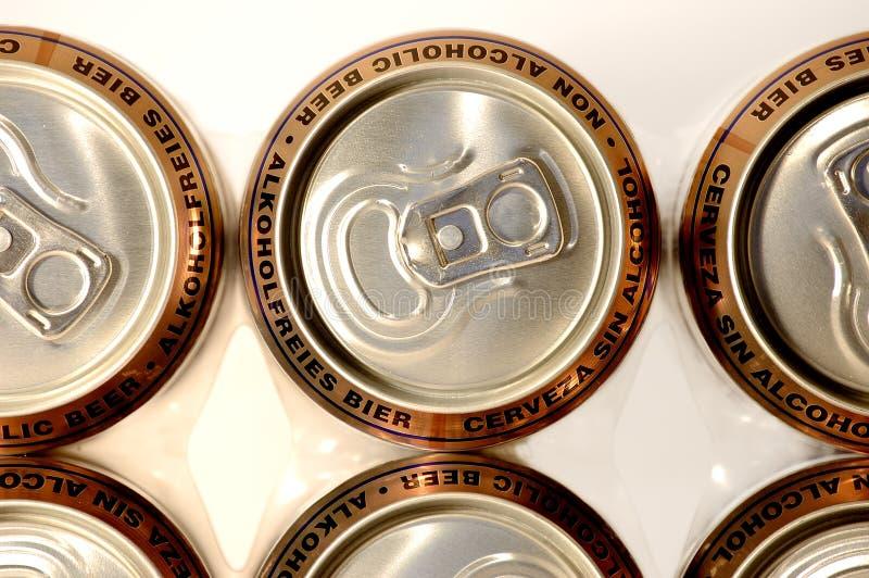 aluminum guld- non rad för alcoho fotografering för bildbyråer