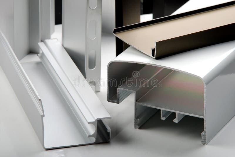Aluminum profil f?r f?nster arkivbild