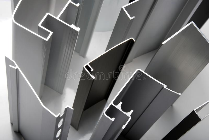 Aluminum profil f?r f?nster royaltyfria foton