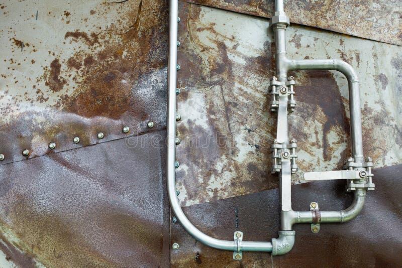 Aluminum rör på fartyget Detalj av fartyget för vattentrans. royaltyfri bild