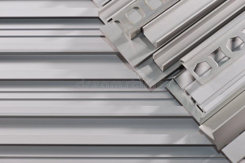 Aluminum sektions- remsor royaltyfri bild