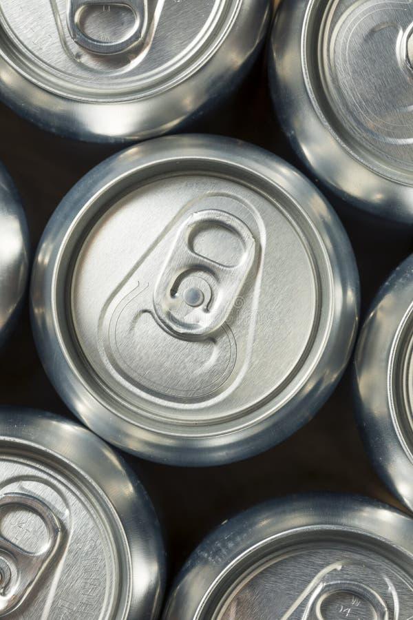 Aluminum sodavattencans för skinande silver royaltyfria bilder