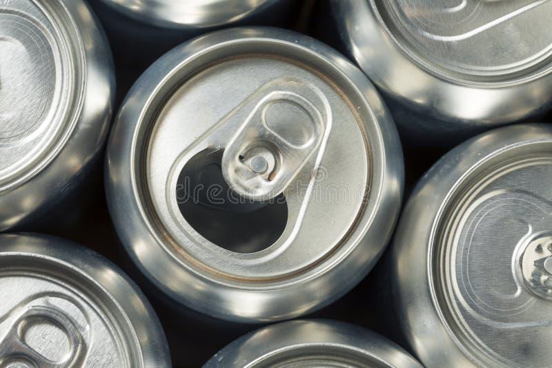Aluminum sodavattencans för skinande silver arkivfoto