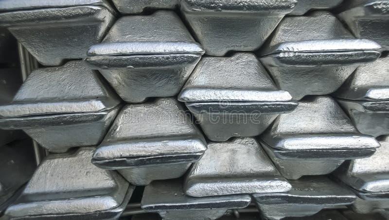 Aluminum tackor Trans. av aluminium för export royaltyfria foton