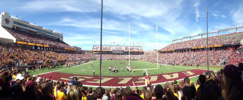 Alumni Stadium bij de Universiteit van Boston stock fotografie