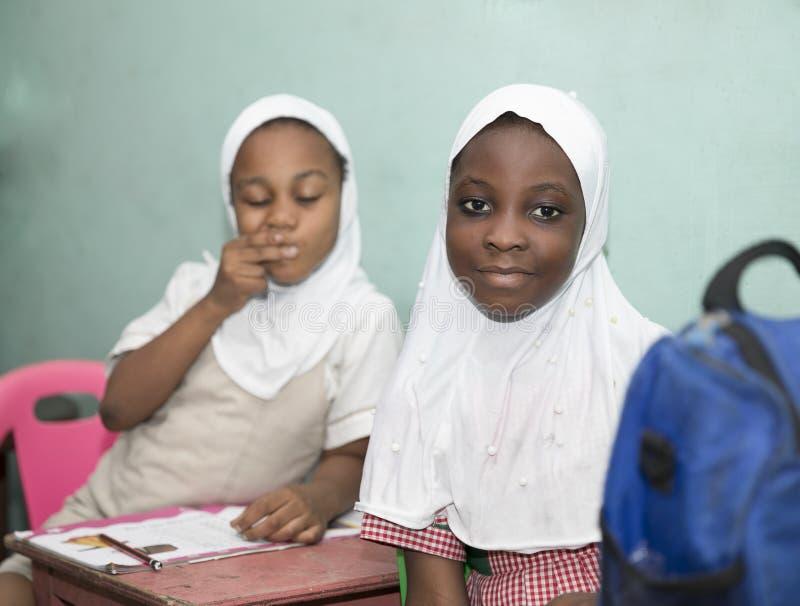 Alumnos b?sicos de Ghana, ?frica occidental fotos de archivo libres de regalías