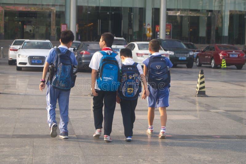 Alumnos chinos imagenes de archivo