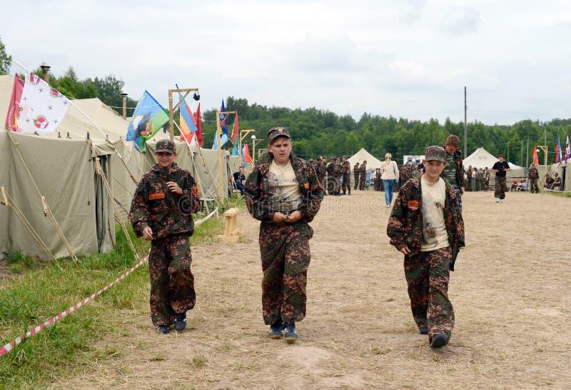 """Alumnos del campo militar-patriótico ½ иÐ? DE Ð?Ð DEL ² раР¿Ð  Ð¸Ñ ÑŒ 'Ð¶Ð¸Ñ ¾"""" РД DE ПрÐ?Ð'Ð fotografía de archivo"""