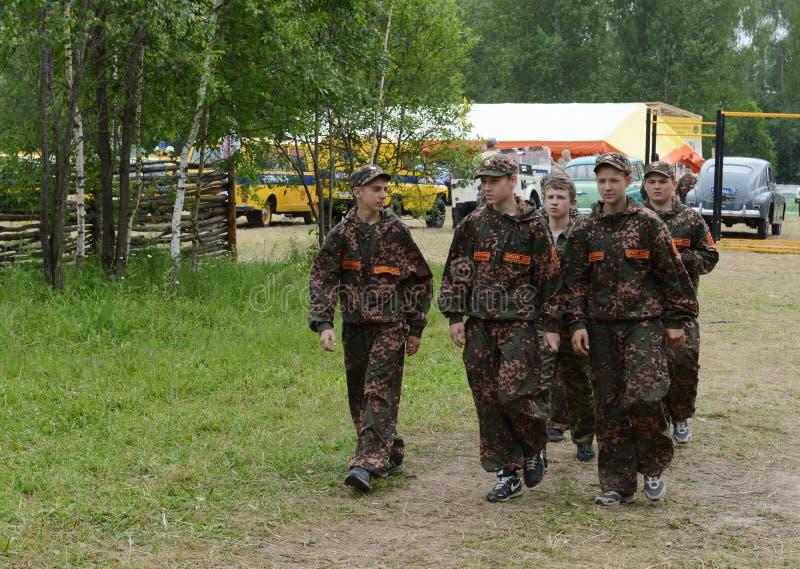 """Alumnos del campo militar-patriótico ½ иÐ? DE Ð?Ð DEL ² раР¿Ð  Ð¸Ñ ÑŒ 'Ð¶Ð¸Ñ ¾"""" РД DE ПрÐ?Ð'Ð imagen de archivo"""