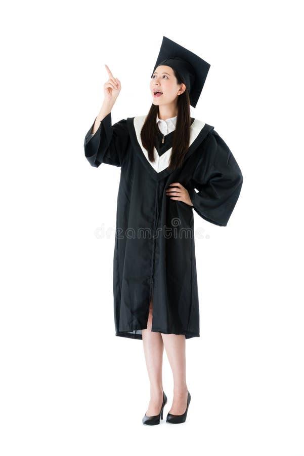 Aluno diplomado feliz da faculdade da menina da beleza imagens de stock