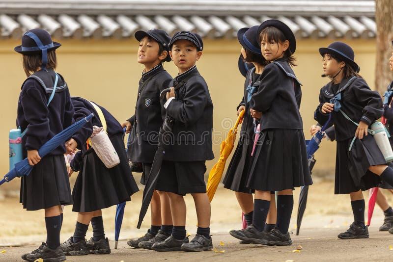Alunos japoneses novos imagens de stock royalty free