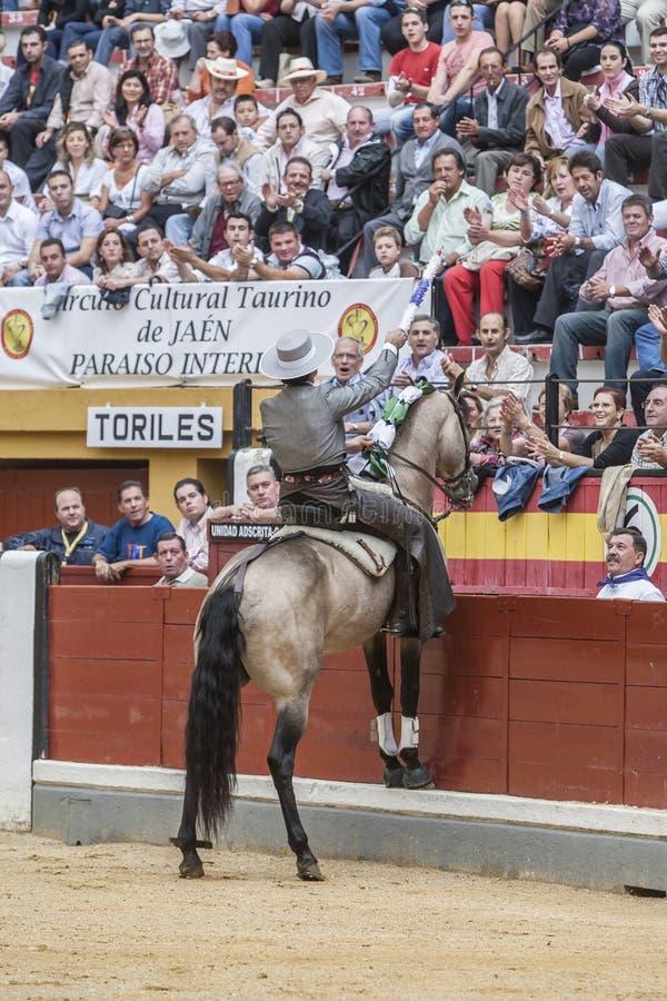 Alvaro Montes tjurfäktare på hästryggspanjor, Jaen, Spanien royaltyfri fotografi