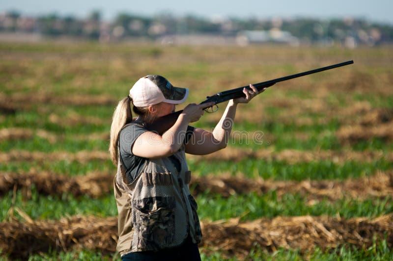 Alvo das tomadas do caçador da pomba fotos de stock