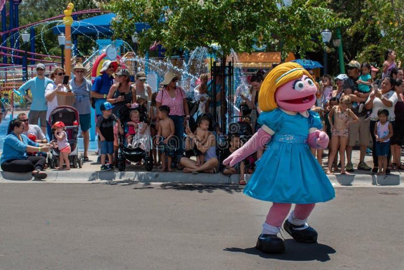 Alvorecer da pradaria na parada do partido do Sesame Street em Seaworld fotografia de stock royalty free