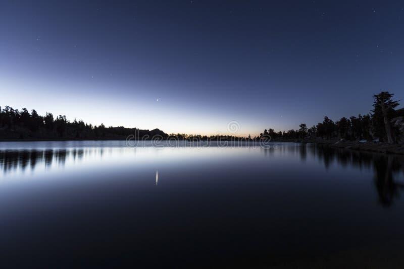 Alvorecer do lago Cirque imagens de stock royalty free