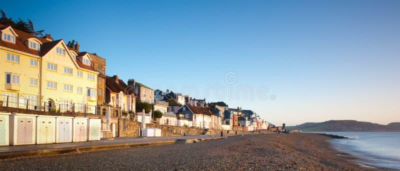 Alvorecer em Lyme Regis fotos de stock royalty free