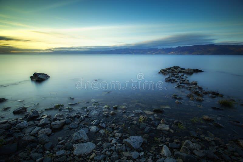 Download Alvorecer no Lago Baikal imagem de stock. Imagem de seascape - 65580465