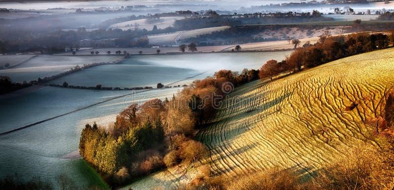 Alvorecer que quebra sobre o monte enrugado - penas sul - Reino Unido imagem de stock royalty free