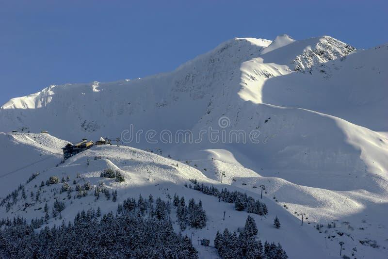 Alyeska Ski Resort en Anchorage, Alaska imagenes de archivo