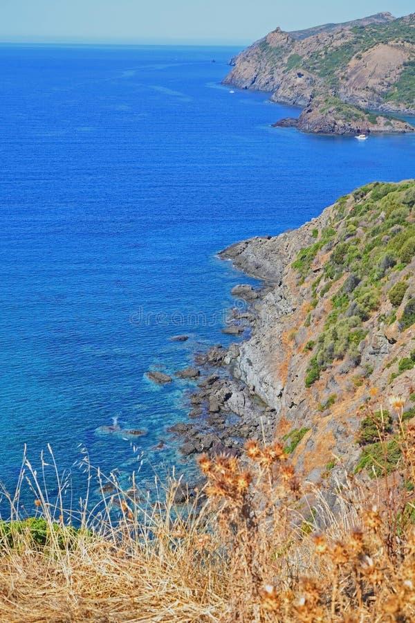 Alza de la costa costa foto de archivo libre de regalías