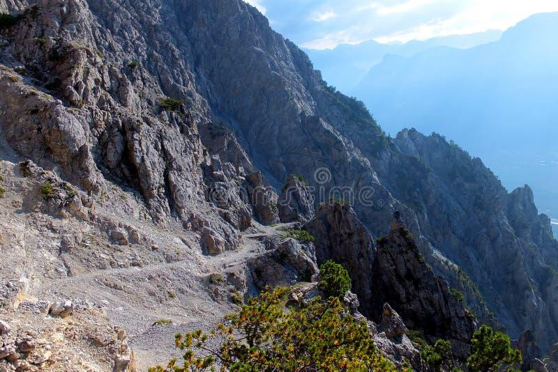 Alza de las montañas en Liechenstein imagen de archivo