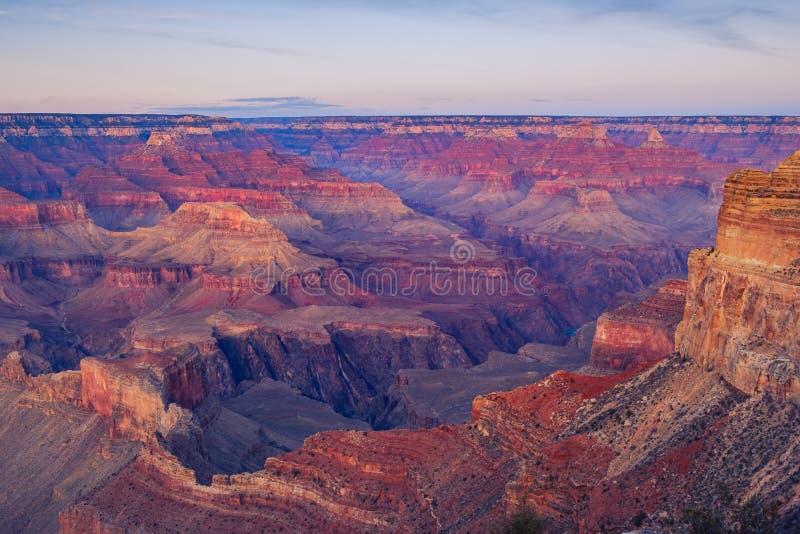 Aménagez la vue en parc de détail du canyon grand après coucher du soleil photographie stock
