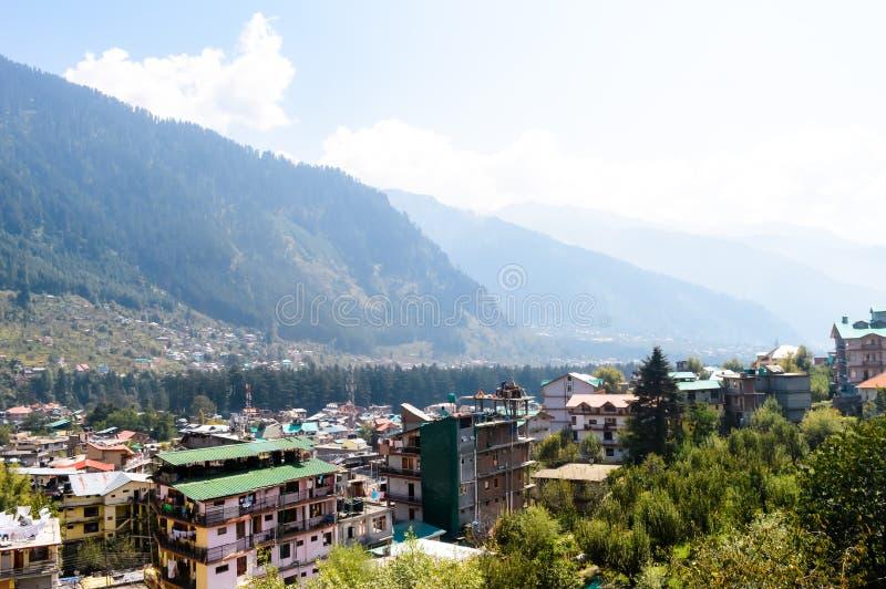Aménagez la vue en parc de la ville de Manali, Himachal Pradesh, Inde photo libre de droits