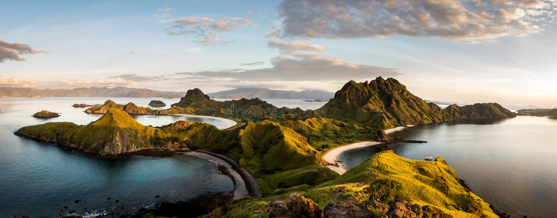 Aménagez la vue en parc du haut de l'île de Padar dans des îles de Komodo, F image libre de droits