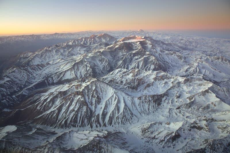 Aménagez survoler en parc les Andes et la montagne de l'Aconcagua photographie stock libre de droits