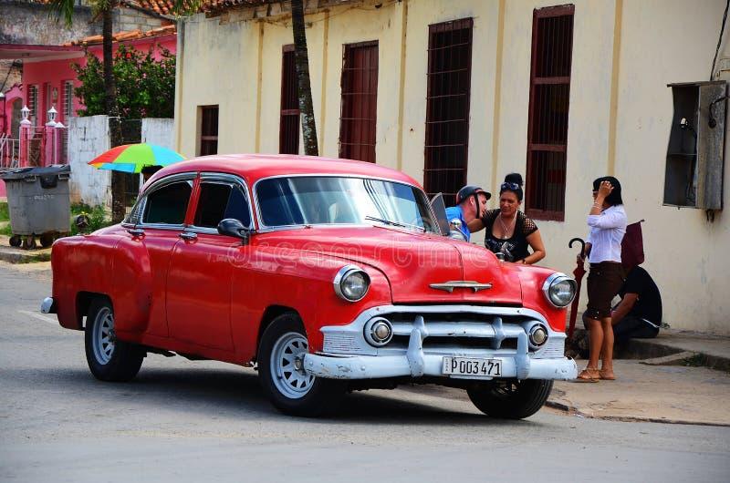 Américain Chevrolet dans Vinales, Cuba photographie stock libre de droits