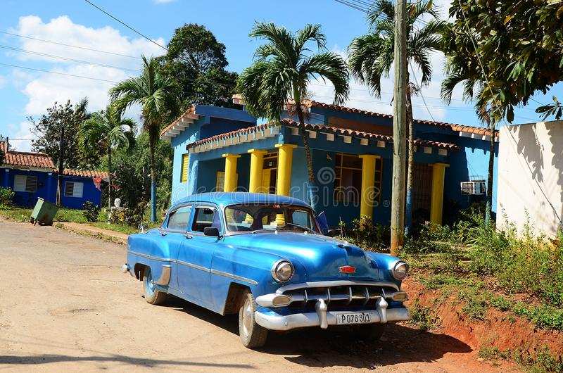 Américain Chevrolet dans Vinales, Cuba image libre de droits
