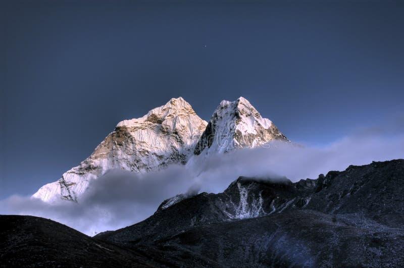 Ama Dablam. berg in het Himalayagebergte, Nepal stock afbeelding