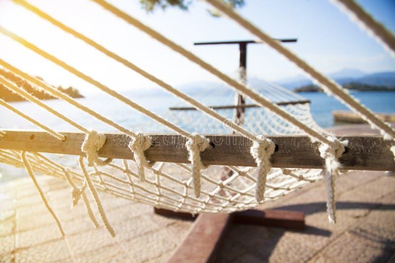 Amaca alla spiaggia fotografie stock libere da diritti