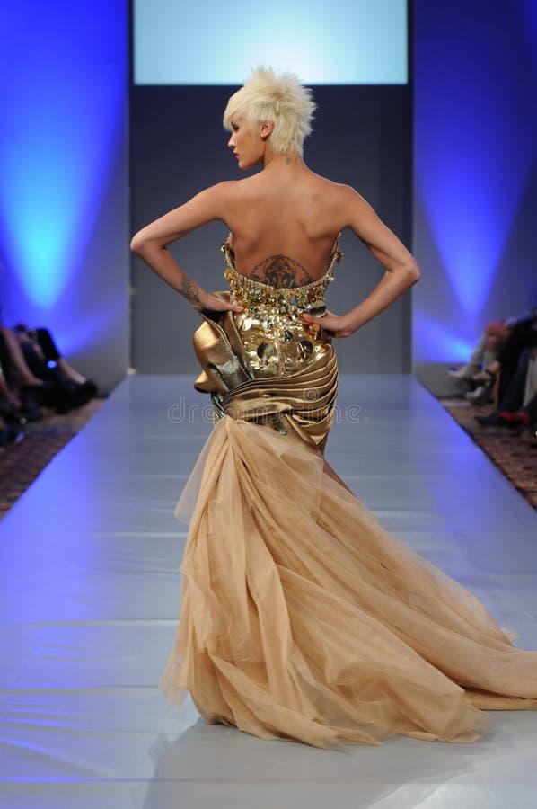 Amal Sarieddine - New- Yorkart- und weisewoche lizenzfreie stockfotos