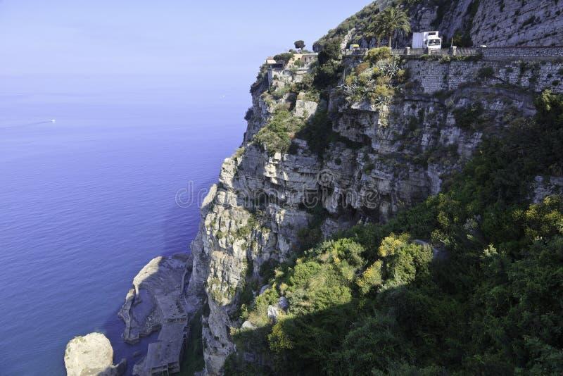 amalfi härlig kustsikt arkivfoto
