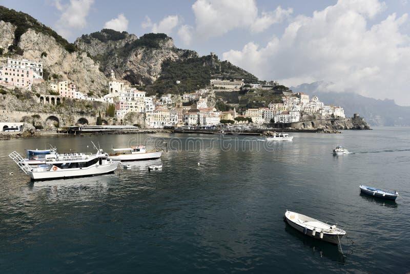 Amalfi haven stock foto's