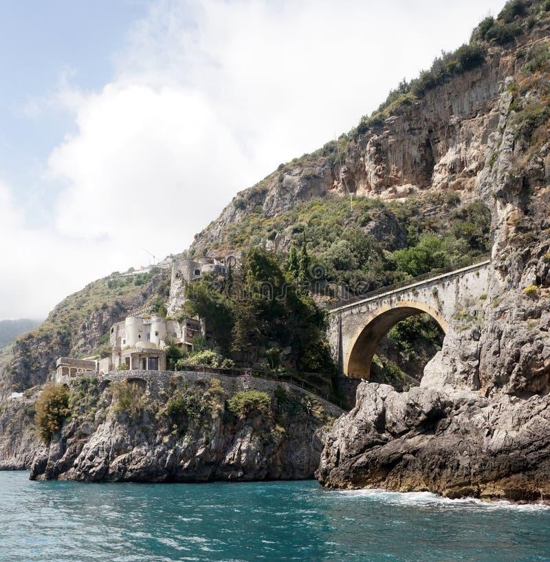 Amalfi linia brzegowa na Śródziemnomorskim, Włochy obraz royalty free