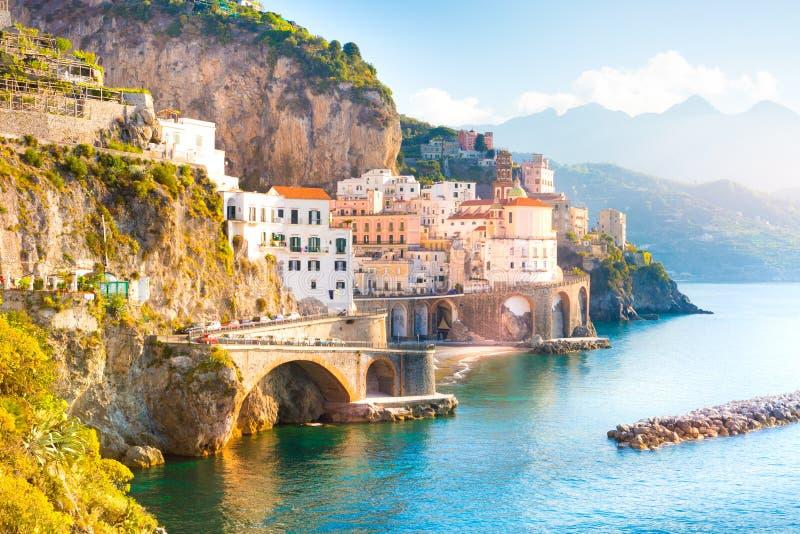 Amalfi pejzaż miejski na wybrzeże linii morze śródziemnomorskie, Włochy fotografia stock