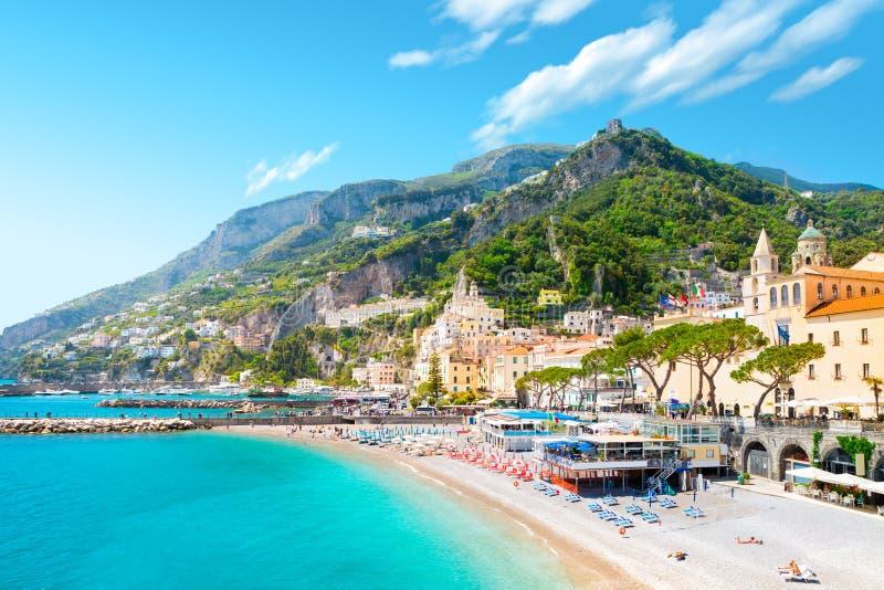 Amalfi pejzaż miejski na wybrzeże linii morze śródziemnomorskie, Włochy zdjęcia stock