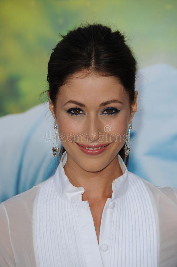 Download Amanda Crew Editorial Photo - Image: 25372746