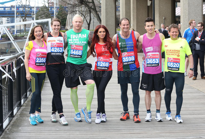 Amanda Mealing, Andrew Strauss, James Toseland, Iwan Thomas, Mike Bushell, Kelly Sotherton, Amy Childs lizenzfreie stockfotos