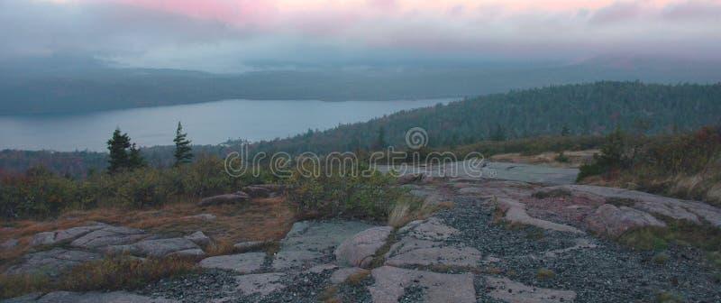 Amanecer del lago eagle, Acadia foto de archivo