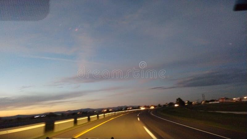 Amanecer en el camino. Iniciar el día disfrutando de un paisaje excepcional, mientras recorremos la carretera de Zacatecas a Aguascalientes stock photography