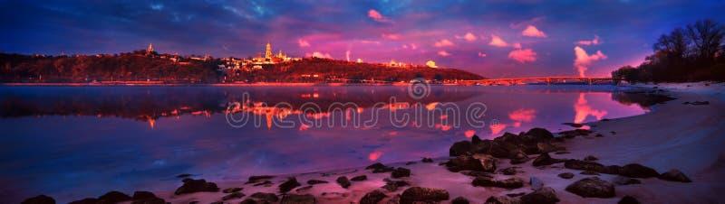 Amanecer en el Dnieper foto de archivo libre de regalías