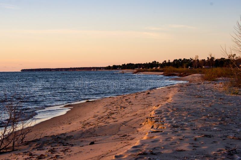 Amanecer en el lago Huron foto de archivo