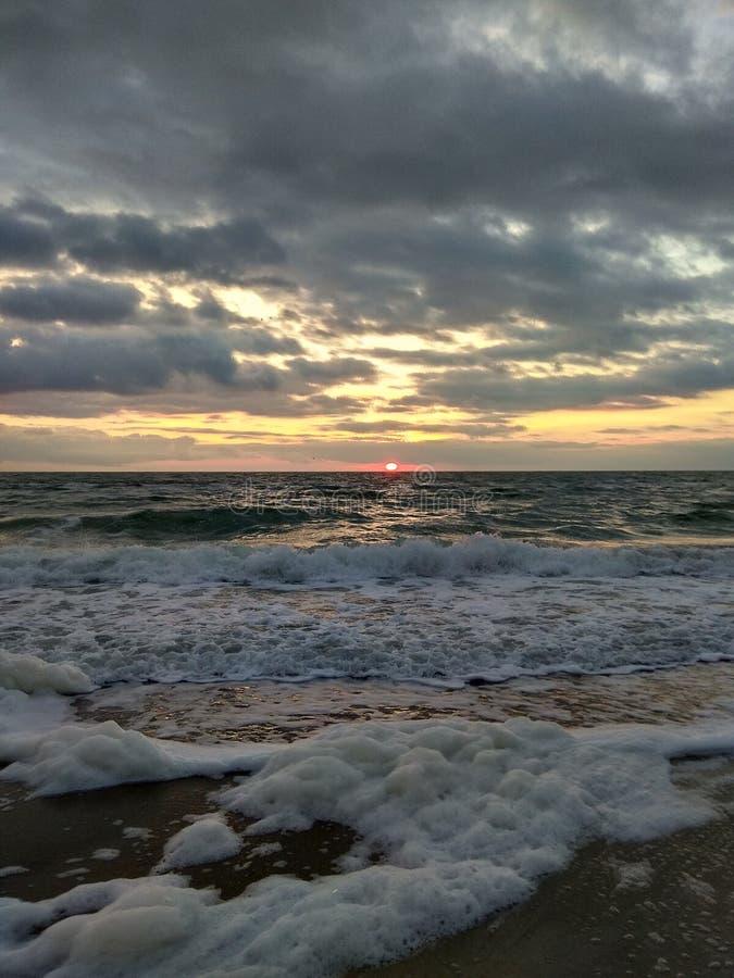 Amanecer en el Mar Negro fotos de archivo