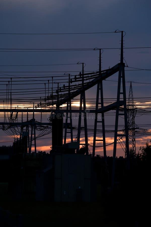 Amanecer y electricidad foto de archivo libre de regalías