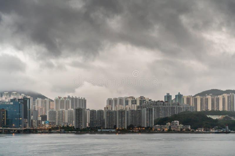 Amanhecer da skyline da baía de Kowloon, Hong Kong China foto de stock