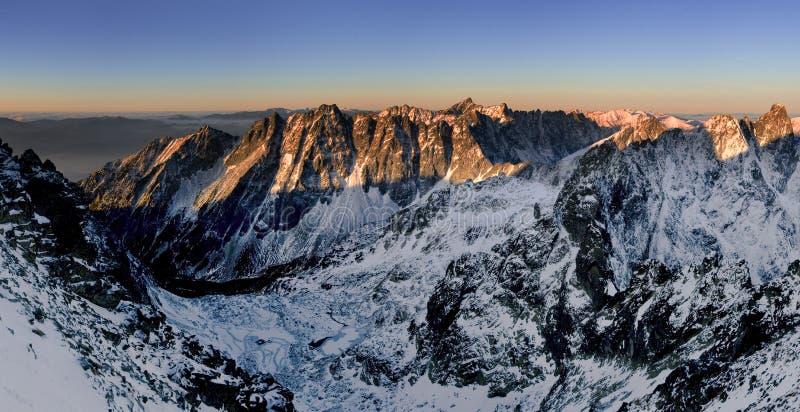 Amanhecer em Tatras elevado - Slovakia imagem de stock royalty free