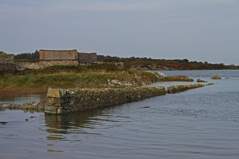 Amanhecer perto da ponte de quatro milhas, Anglesey fotos de stock